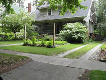 Front_yard_garden1